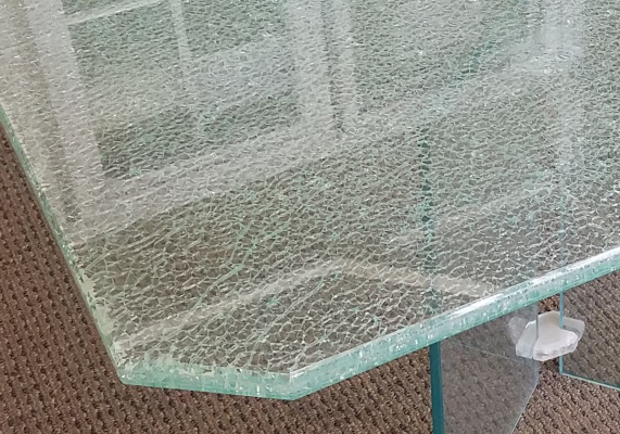 table-shatter-effect.jpg
